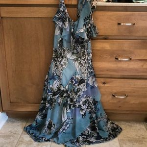 Beautiful, layered sun dress.